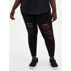 🆕 Black Knee Destruction Premium Leggings Torrid